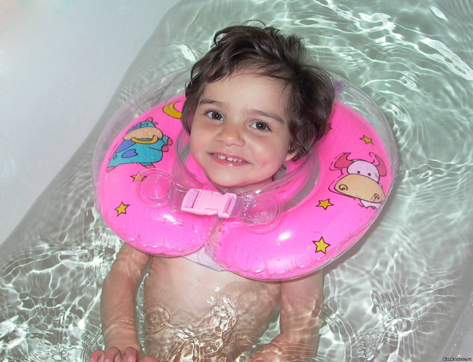 Смотреть девочки в ванной 11 фотография